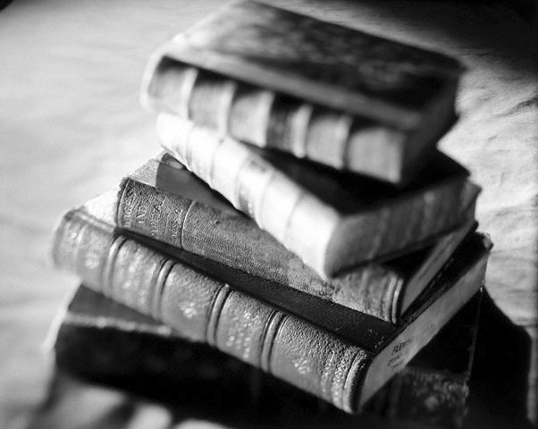 15 Aug 2001 --- Antique books with leather bindings --- Image by © Rick Gayle/CORBIS